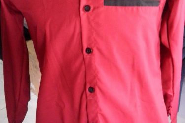 Bordir kemeja merah
